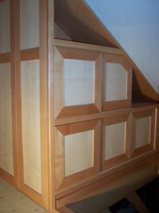 Belüftete Schiebetüren in der Dachschräge