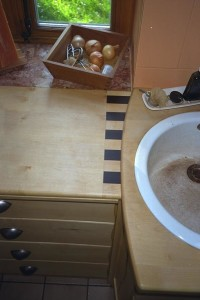 Küchenarbeitsplatte in Ahorn und Wenge